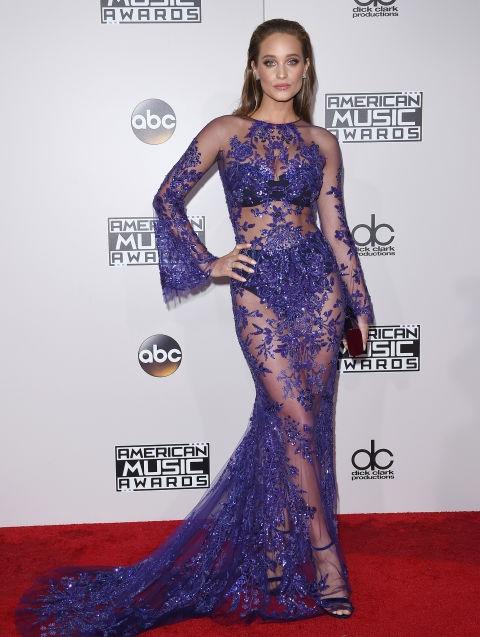 Chân dài Hannah Davis đẹp kiêu sa trong chiếc váy hàng chục nghìn đô của Zuhair Murad
