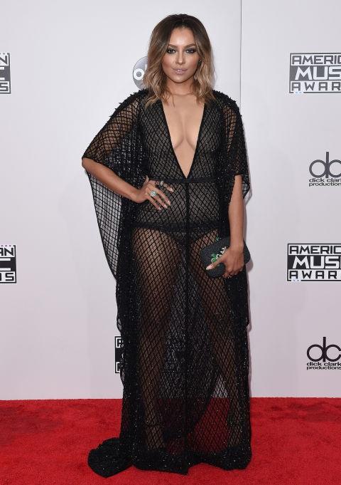 Kat Graham vừa gợi cảm vừa cá tính trong bộ váy của LaBourjoisie