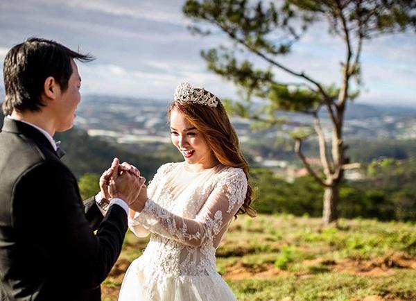 Cặp đôi Việt chi 1 tỷ đồng chụp ảnh cưới ở 4 nước trong... 2 tháng - 18