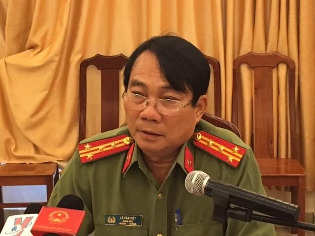 Đại tá Lê Văn Việt - Giám đốc Công an tỉnh Trà Vinh tại cuộc họp báo.
