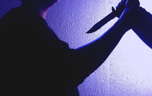 Trong cơn nóng giận, ông Truyền đã đâm vợ tử vong (ảnh minh họa)