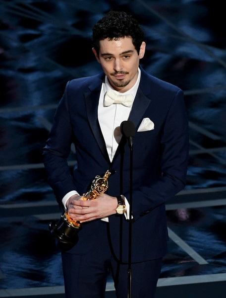 Damien Chazelle của La La Land giành giải Đạo diễn xuất sắc nhất.