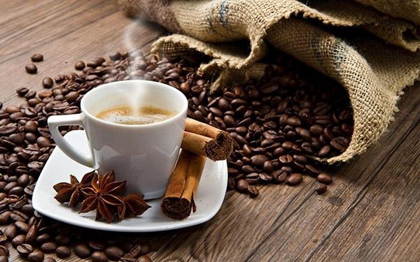 """Những công dụng """"không tưởng"""" của bã cà phê khiến bạn bất ngờ - 8"""