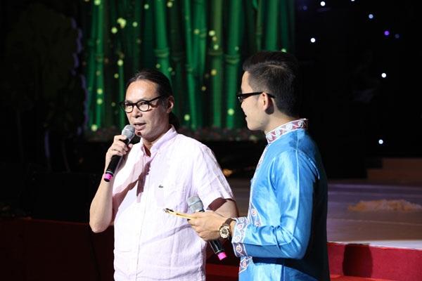 Đạo diễn Trần Lực chia sẻ trong đêm nhạc Hoa tháng 5