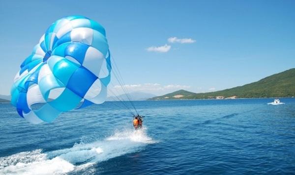 Nhiều trải nghiệm du lịch biển cho du khách tham quan các đảo ở Nha Trang