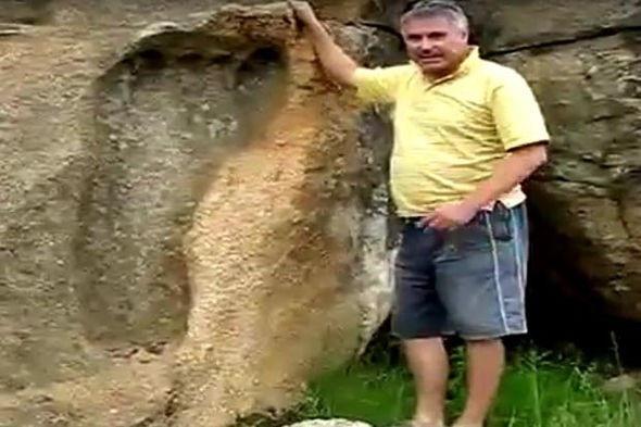 Dấu chân khổng lồ ở Nam Phi.