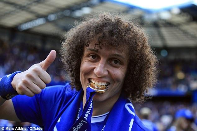 Conte thừa nhận David Luiz chỉ là mục tiêu số 5 của ông ở vị trí trung vệ. Khi không thể mang về cái tên khác, HLV người Italia mới chú ý tới David Luiz trong những ngày cuối thị trường chuyển nhượng. Nhưng đây lại là bản hợp đồng thành công ngoái sức tưởng tượng. David Luiz đã thi đấu ổn định, góp phần giúp hàng thủ Chelsea vô cùng chắc chắn.
