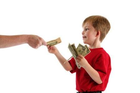 Ở Mỹ, trong chương trình học mẫu giáo, nhà trường đã giới thiệu cho các con về tiền.