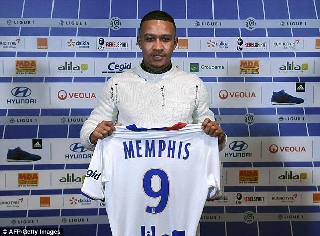 Depay rời MU để chuyển sang thi đấu cho Lyon