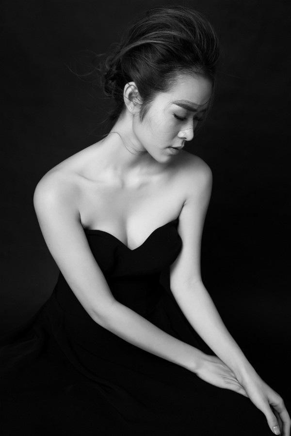 Ban đầu những ngày chông chênh nhất cuộc đời, Diệp Bảo Ngọc lao vào công việc kinh doanh và phim ảnh. Sau nhiều biến cố trong cuộc sống, nữ diễn viên sinh năm 1993 ngày càng trưởng thành.