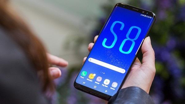 """Galaxy S8, một trong những smartphone có cấu hình mạnh nhất hiện nay, sẽ là """"đối thủ nặng ký"""" trên phân khúc phablet cao cấp"""