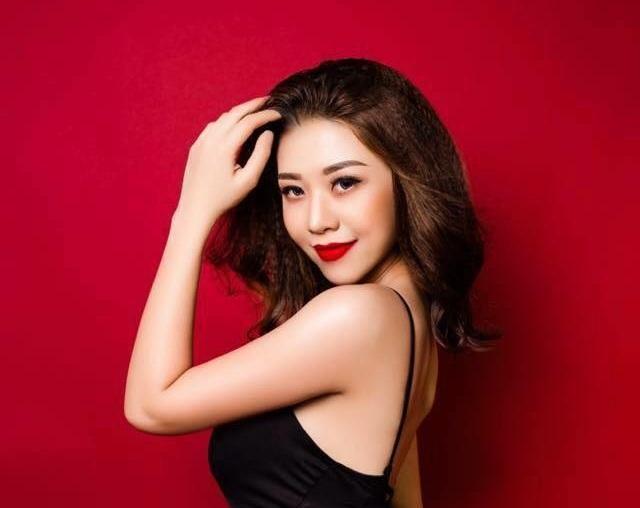 Là một người đẹp, ý thức giữ gìn sức khỏe là điều cần thiết và Mỹ Dung mang đến Hoa hậu Hoàn vũ Việt Nam 2017 câu chuyện tích cực thay vì ép mình vào những nguyên tắc khuôn mẫu mà quên đi sức khỏe bản thân.