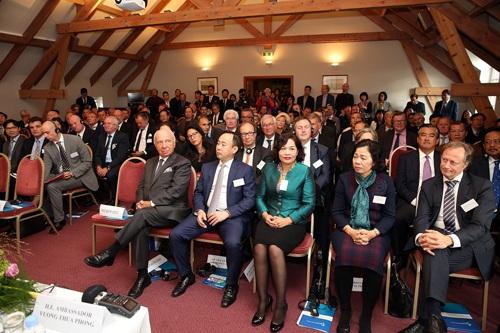 Hơn 100 doanh nghiệp tại buổi tọa đàm Xúc tiến đầu tư