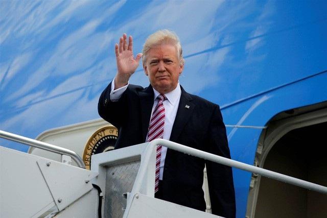Tổng thống Mỹ Donald Trump tới Đà Nẵng trưa 10/11 (ảnh: AP)