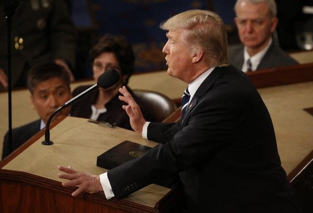 Ông Trump có bài phát biểu đầu tiên tại phiên họp chung của Quốc hội. (Ảnh: Reuters)