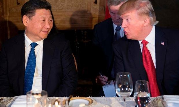 Tổng thống Mỹ Donald Trump đã thông báo vụ tấn công Syria cho Chủ tịch Trung Quốc Tập Cận Bình ngay khi họ vừa kết thúc bữa tiệc ở Mar-a-Lago. (Ảnh: AFP)