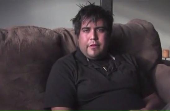 Mario Ambrose Antoine đóng giả làm nhà sản xuất phim khiêu dâm và lừa hơn 20 cô gái muốn trở thành diễn viên phải quan hệ với y