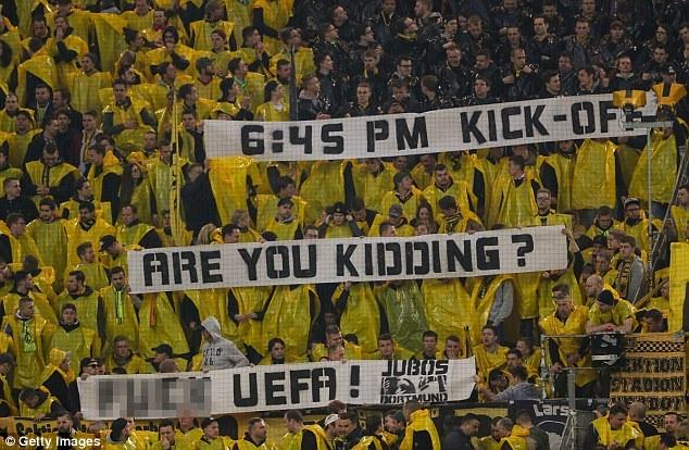 Dòng biểu ngữ của CĐV Dortmund chỉ trích về quyết định thiếu tình người của UEFA