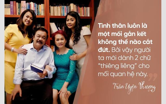 Cả gia đình doanh nhân Trần Quí Thanh sum họp trong Ngày gia đình Việt Nam.