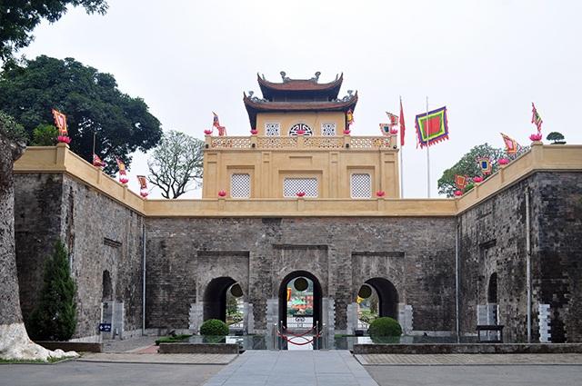 Ông Trần Việt Anh cho biết, những năm trước đơn vị này thường xuyên tu sửa từng bộ phận nhỏ trong Hoàng Thành