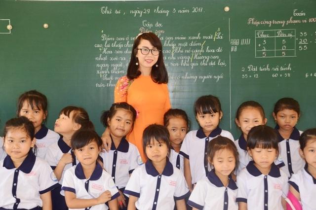 Cô Nguyễn Thị Diệu luôn hết mình vì học sinh thân yêu.