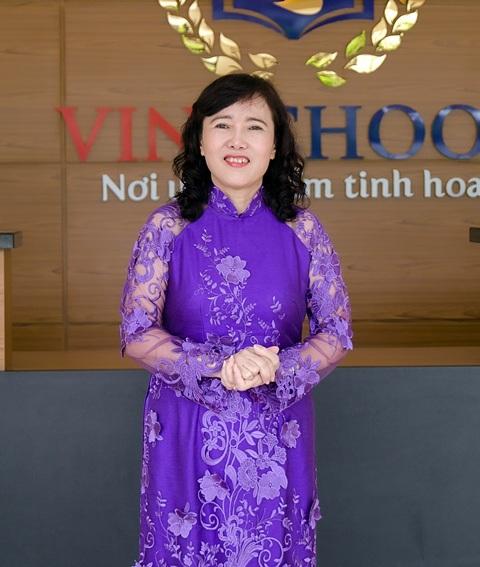 Nhà giáo ưu tú Đinh Thị Tú, Hiệu trưởng Trường Tiểu học Vinschool.
