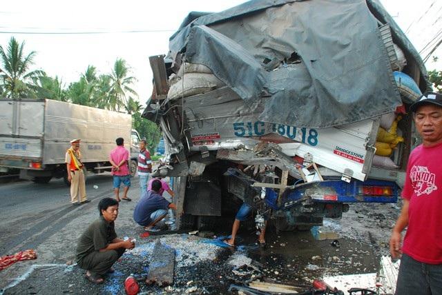 Vụ tai nạn khiến 13 người thương vong