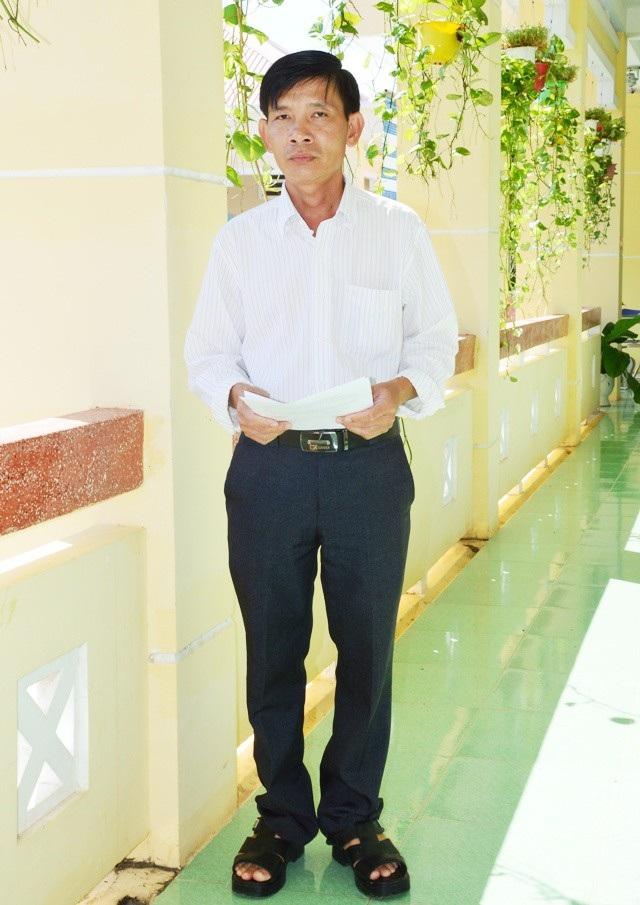 Thầy Nguyễn Quốc Khởi.