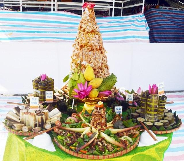 Những món ăn được trưng bày rất bắt mắt.