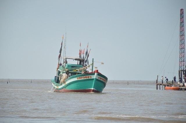 Cà Mau kiên quyết nếu tàu thuyền nào không chịu sơ tán thì dùng tàu khác kè và lập biên bản không cho hoạt động sau bão.