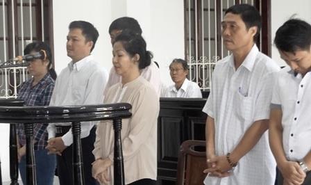 Các bị cáo sai phạm tại Công ty Lương thực Vĩnh Long lãnh án