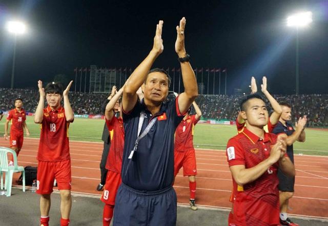 Đội tuyển Việt Nam của HLV tạm quyền Mai Đức Chung có thể sẽ đối đầu với một Campuchia khác hẳn trong trận lượt về