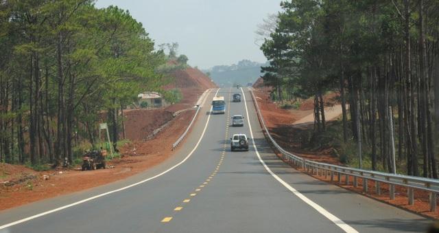 Sau 30/10, sẽ tạm dừng thu phí các dự án đường bộ chưa áp dụng công nghệ thu phí mới