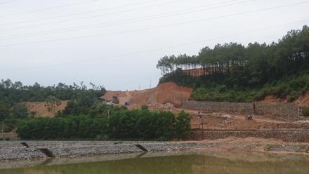 Dự án chậm tiến độ 12 năm, theo luật phải thu hồi nhưng lại được UBND tỉnh Quảng Ninh tiếp tục giao sai phép.