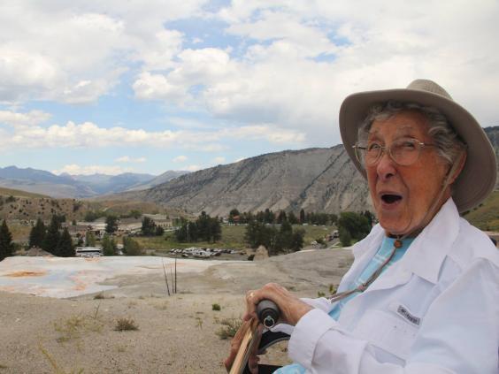 Chuyến đi của cụ bà 91 tuổi truyền cảm hứng tới hàng triệu người mê du lịch trên khắp thế giới