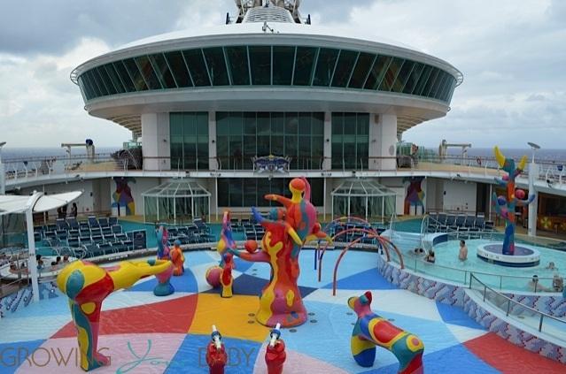 Cùng chiêm ngưỡng thêm những hình ảnh về chiếc du thuyền sang trọng bậc nhất thế giới MS Freedom of the Seas: