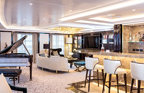 Ngoài ra toàn bộ cabin đều được lắp cửa kính toàn cảnh mang lại cho  hành khách góc nhìn tối ưu nhất ra đại dương bao la. Đây cũng là chi tiết độc đáo hàng đầu của Seven Seas Explorer.