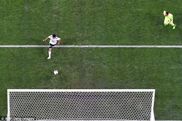 Lars Stindl ghi bàn duy nhất cho đội tuyển Đức ở phút 21