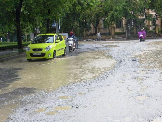 Đường Nguyễn Thị Minh Khai