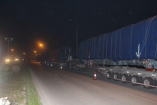 Theo dự kiến, tàu đường sắt trên cao Cát Linh - Hà Đông sẽ được đưa lên đường ray vào đêm nay, 20/2.