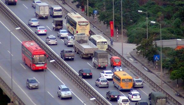Đường trên cao Hà Nội sẽ hạ tốc độ tối đa xuống 80 km/h? (ảnh: Quang Phong)
