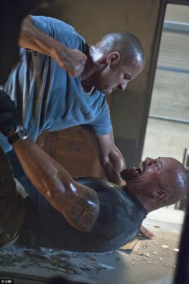 The Fate Of The Furious với sự tham gia của dàn sao bự đã sớm nhận được những phản hồi tích cực từ phía khán giả và những nhà phê bình điện ảnh