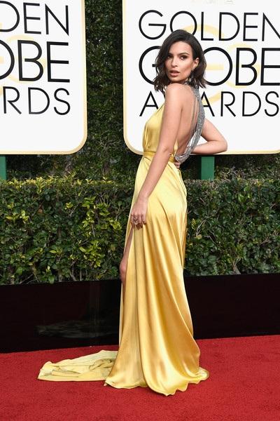 Người mẫu - diễn viên Emily Ratajkowski diện váy gợi cảm dự sự kiện