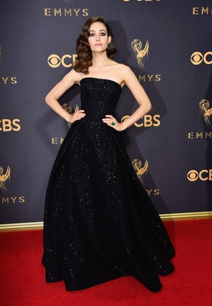 Người đẹp kiều diễm khoe sắc trên thảm đỏ lễ trao giải Emmy - 32