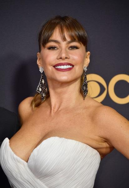 Người đẹp kiều diễm khoe sắc trên thảm đỏ lễ trao giải Emmy - 4