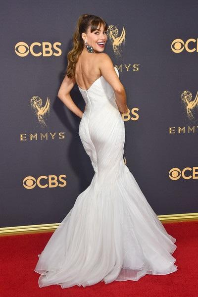 Người đẹp kiều diễm khoe sắc trên thảm đỏ lễ trao giải Emmy - 5