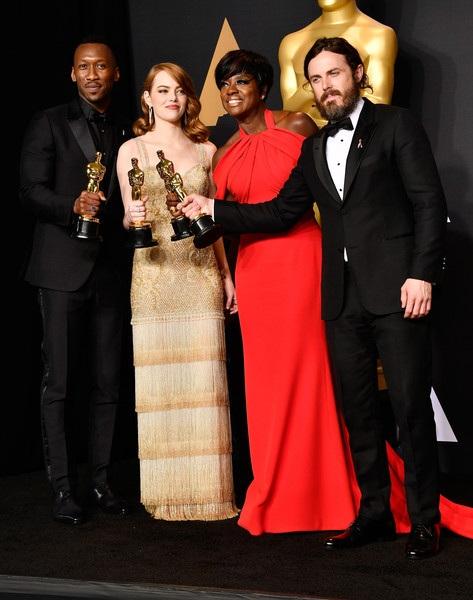 4 diễn viên nhận được nhiều lời chúc mừng sau khi lễ trao giải kết thúc
