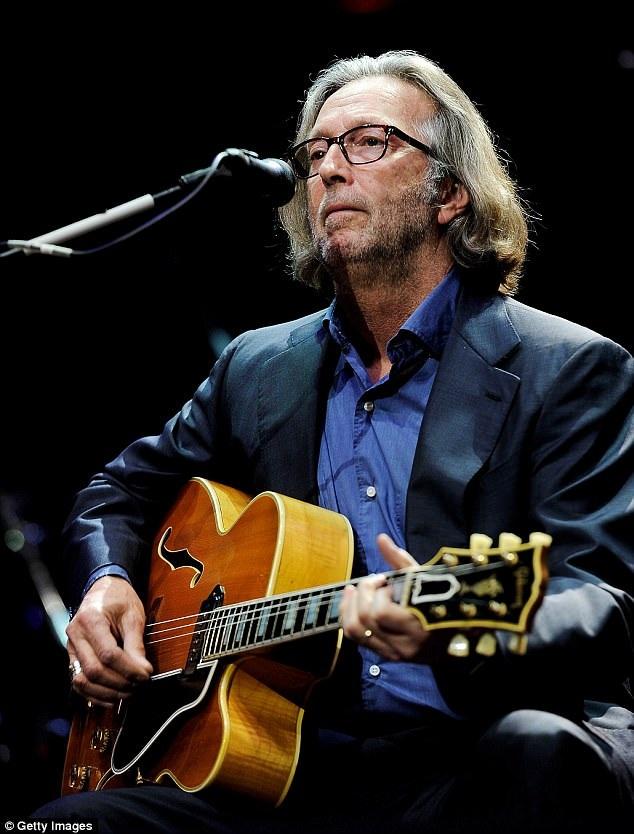 Clapton kết hôn ba lần, người vợ thứ 3 của ông Melia McEnery sinh cho ông ba cô con gái trong đó cô con gái nhỏ nhất năm nay mới 12 tuổi.