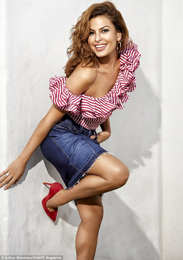 Nữ diễn viên 43 tuổi - Eva Mendes tươi trẻ trong bộ ảnh mới nhất cho tạp chí Shape.