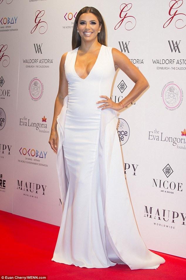 Nữ diễn viên 42 tuổi luôn được đánh giá cao về gu thời trang thanh lịch và tinh tế